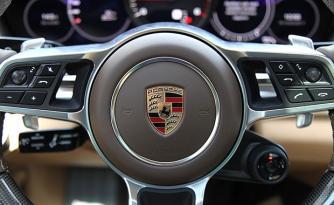 Porsche araçlarda büyük tehlike! 100 bin aracı geri topluyor…