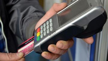 Kovid-19'un bulaş riskini azaltmak için kredi kartı kullanımı önerisi