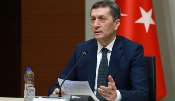 """Milli Eğitim Bakanı Selçuk'tan öğrencilere """"öykü yazın"""" çağrısı"""