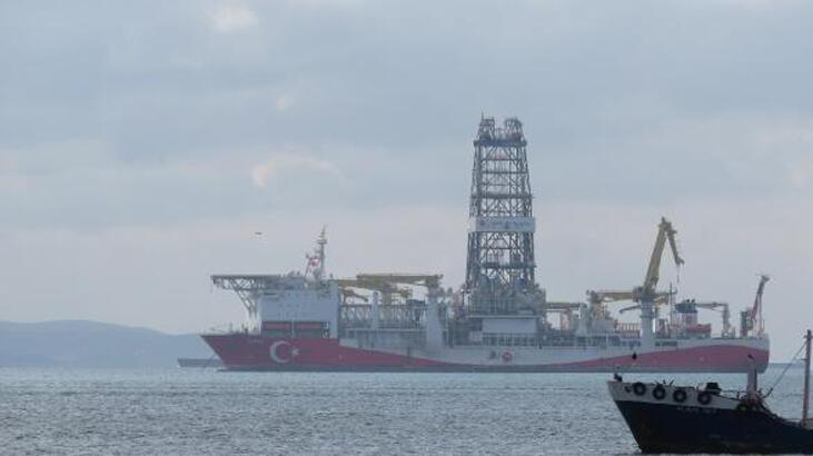 Türkiye'nin ilk yerli sondaj gemisi 'Fatih' İstanbul'da