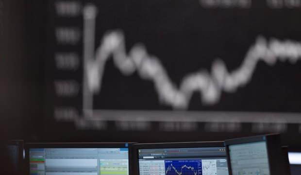 Yatırımcıları değersiz hisselere yönlendirip büyük vurgun yaptılar