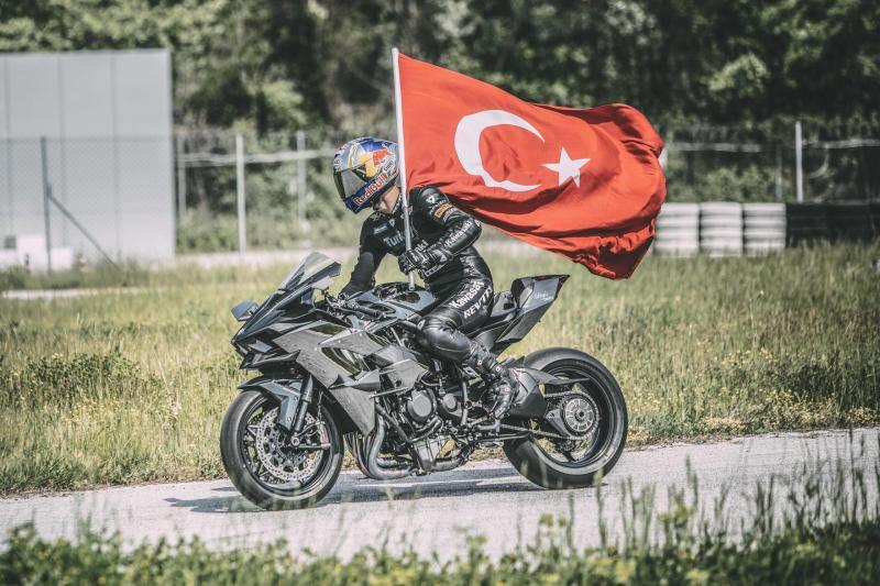 Red Bull'un efsane eski sporcusu Kenan Sofuoğlu 'Köklerine döndü'