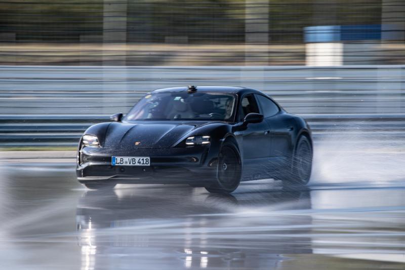 Porsche Taycan, Guınness Rekorlar Kitabı'na girdi
