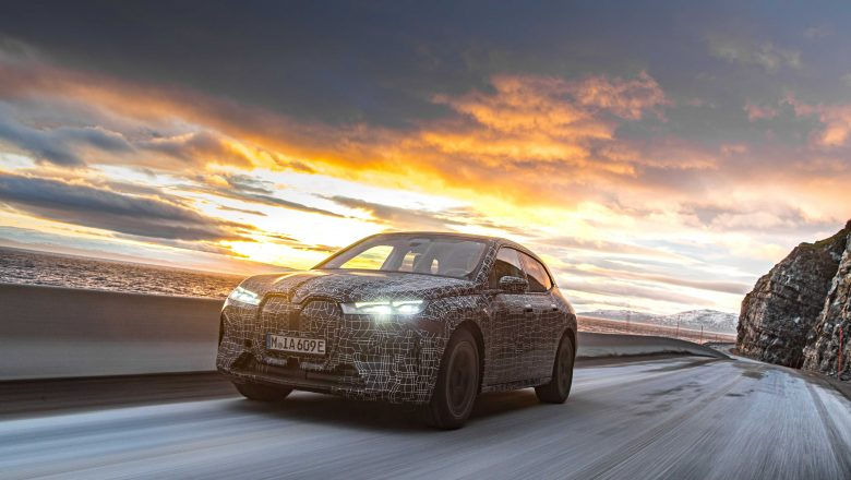 BMW iX   En Zorlu Kış Şartlarında Test Ediliyor