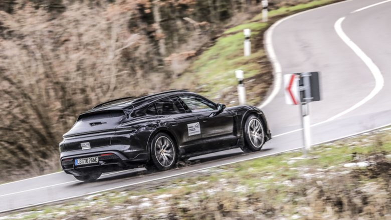 Taycan Cross Turismo Porsche'nin zorlu test programından geçiyor
